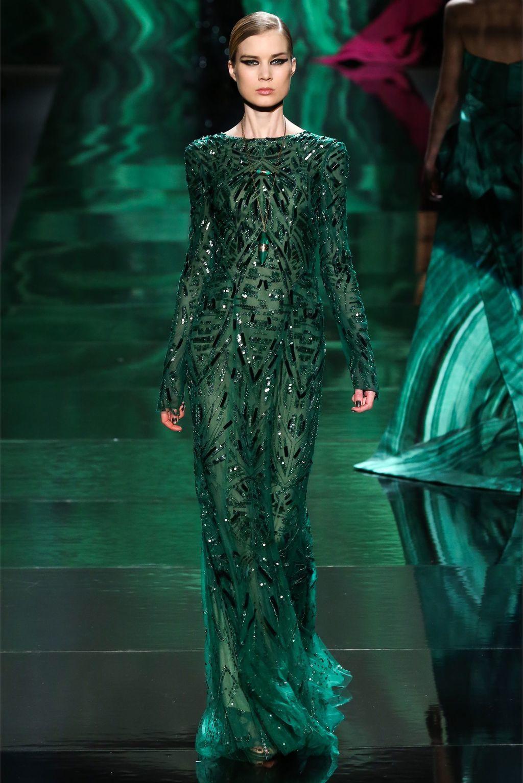 Фото модных платьев темно зеленого цвета 2