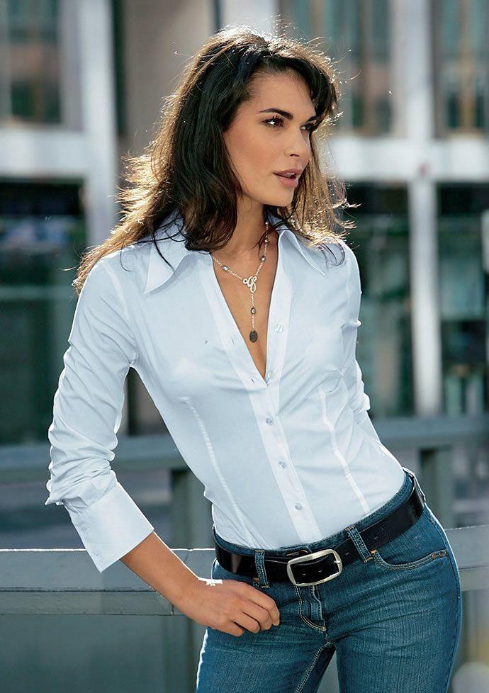 Красивая грудь в блузке что
